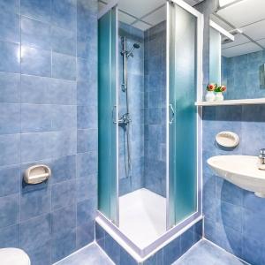 adriatic-hotel-dubrovnik-bathroom-shower