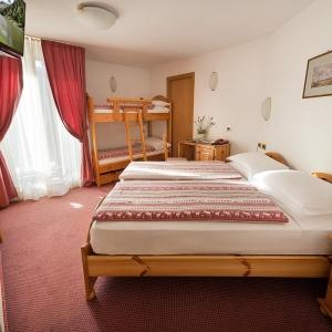 Hotel-alpen-village-Livigno-camera-quadrupla-1