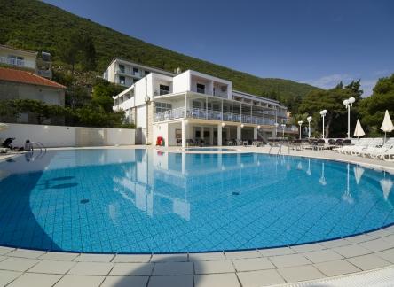 10 swiming pool