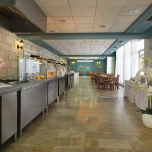 16 restaurant3