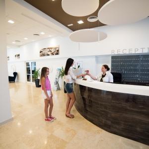 Reception_hotel Omorika (2)