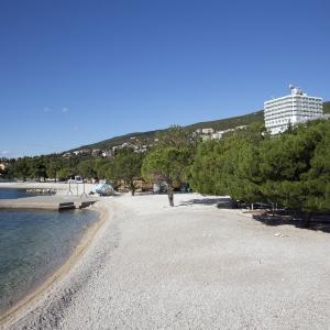Public beach_hotel Omorika (1)