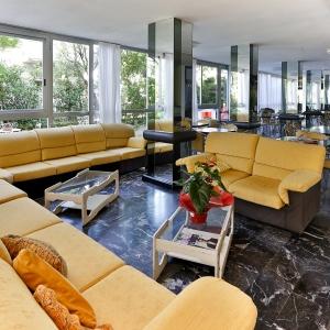 HOTEL RONDINELLA - CESENATICO (5)