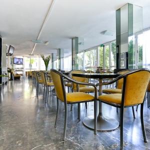 HOTEL RONDINELLA - CESENATICO (3)