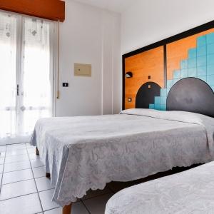 HOTEL RONDINELLA - CESENATICO (9)