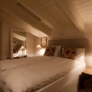 bilocale-mansarda-appartamento-affitto-livigno-6-12-camera-particolare1